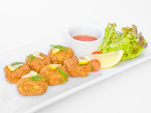Mini Crab Cakes with Sweet Chilli