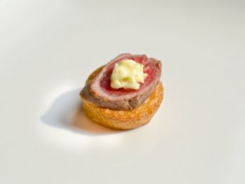 Mini Yorkshire Puddings with Roast Beef