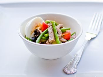 Strips of Roast Beef with Nicoise Salad