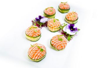 Smoked Salmon Parcels filled with Prawns
